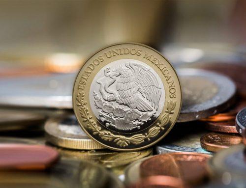 Peso se sobrevive ante el embate del dólar